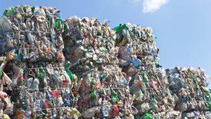 Разтовариха първите бали с вносен боклук за 2021г. на Пристанище Варна Запад (ВИДЕО)