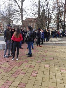 Протест в Перник срещу ограниченията на собственици на заведения и фитнес зали!