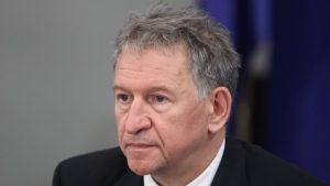 Министър Кацаров: Нов пик на коронавируса може да има още лятото